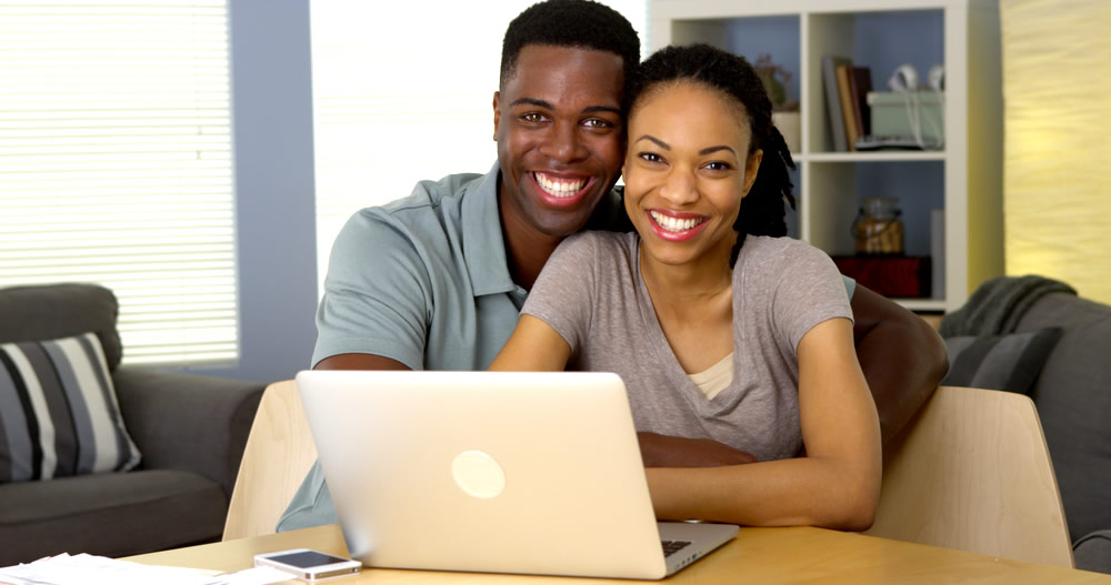 Dating Money - young-couple-paying-bills-2