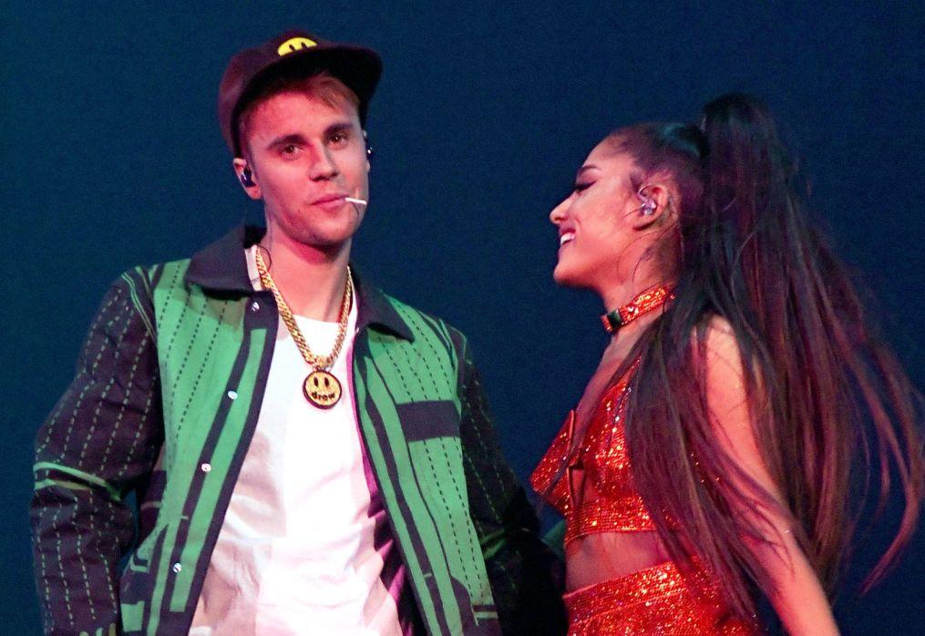 Ariana Grande & Justin Bieber – Stuck with U in VR