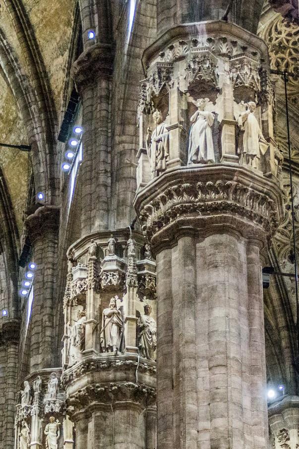 Mediolan - filary w Katedrze Mediolańskiej