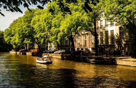 Amsterdam - płyniemy po wodnych ulicach miasta