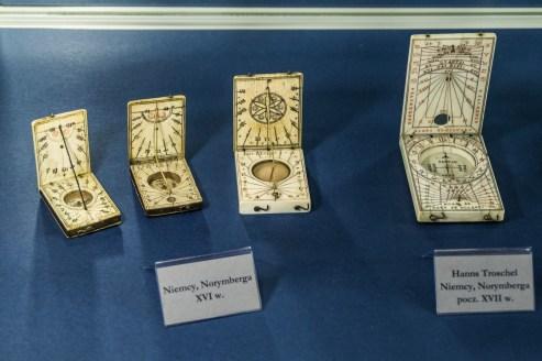 zegary słoneczne w przenośnej formie