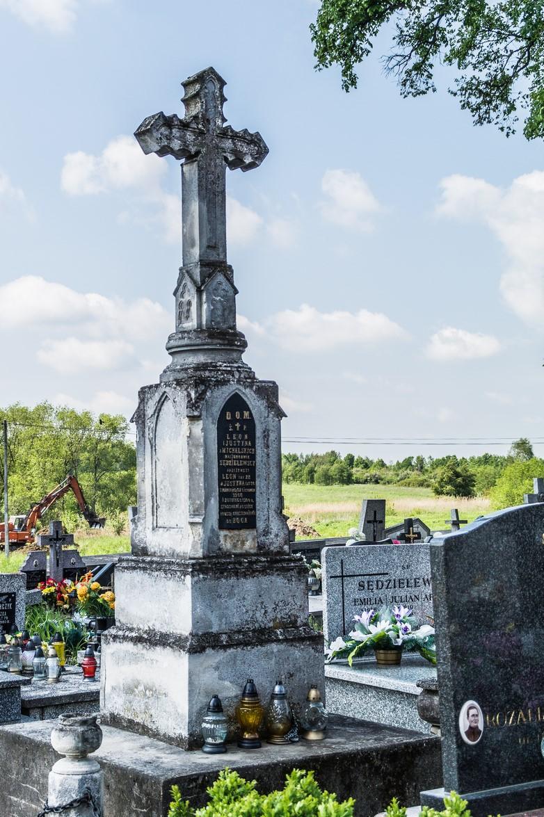 Cmentarz w Pierzchnicy