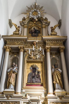 Zamość - katedra ma wiele ołtarzy