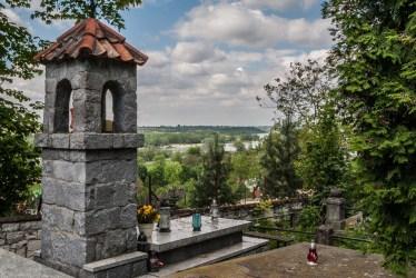 Kazimierz Dolny - cmentarz za Sanktuarium
