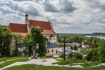 Kazimierz Dolny - widok na kościół
