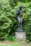 rzeźba kobiety ogrody zamkowe baranów sandomierski