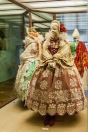 żywiec - muzeum miejskie stary zamek strój mieszczański kobiecy