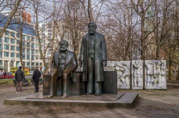 Pomnik Marksa i Engelsa - Berlin Wschodni