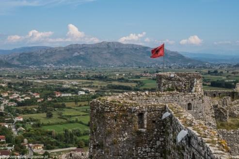 Twierdza Rozafa flaga - granicy albanii i czarnogóry