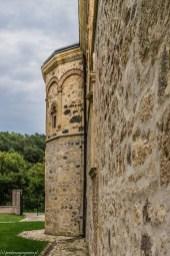 Klasztor Novo Hopovo mury
