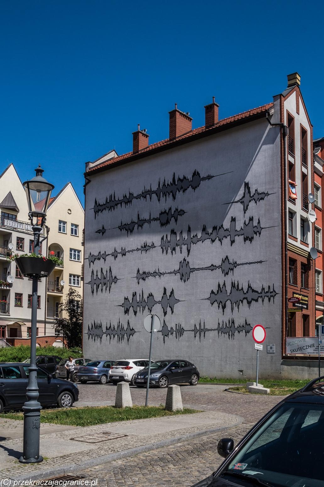 Elbląg - mural Spektogramy