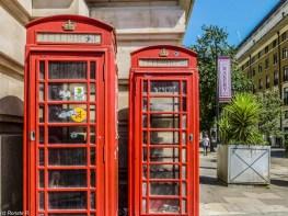 Londyn - słynne budki telefoniczne