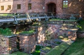 frombork - fundamenty barbakanu ruiny