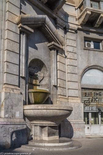 Palermo - kamienica z fontannami