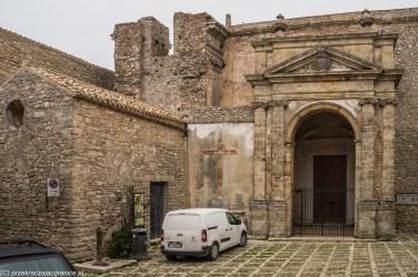 Erice - nawet kościoły opustoszały
