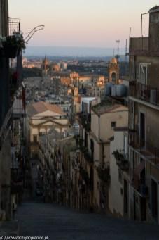widok na zabudowę miejską z góry