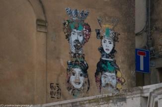 caltagirone - graffiti z czterema głowami
