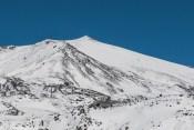 góra pokryta śniegiem