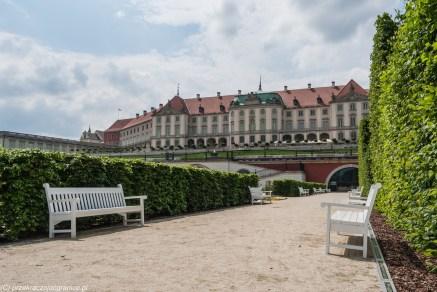 podsumowanie maja - zamek i alejka parkowa