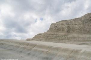 skały w kształcie schodów