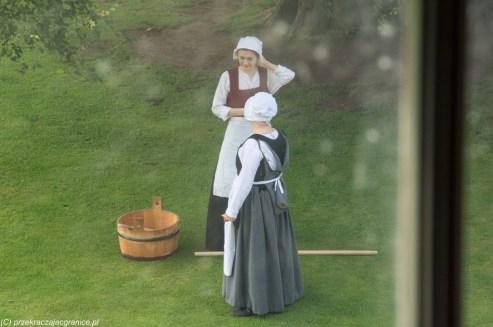 kobiety historyczne stroje ubrania