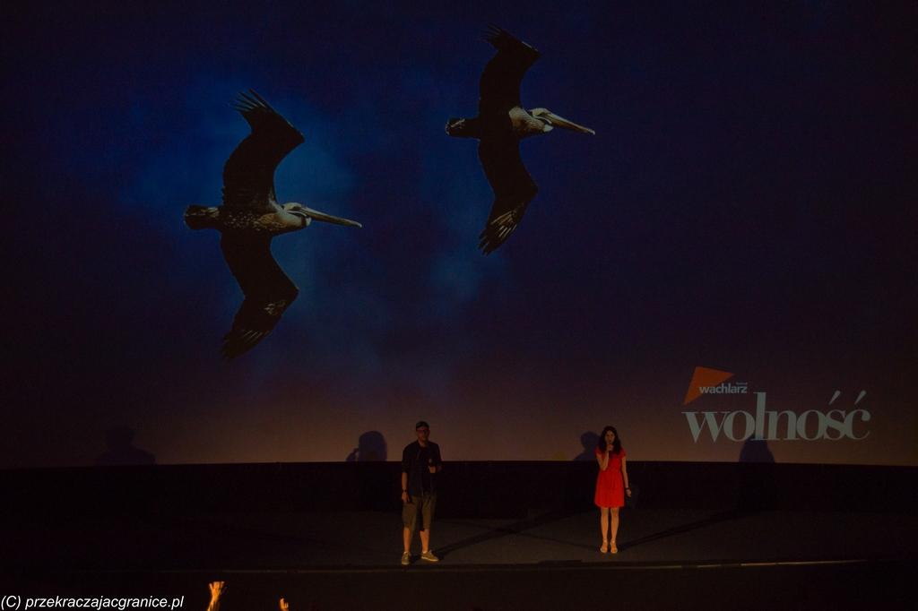 podsumowanie czerwca - scena ludzie para kino wachlarz festiwal
