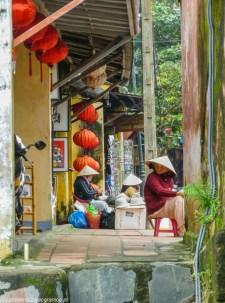 środkowy wietnam - hoi an uliczka wietnamki