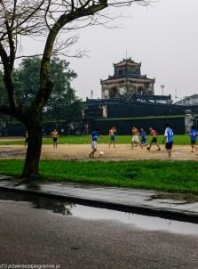 środkowy wietnam - hue cytadela mecz piłki nożnej