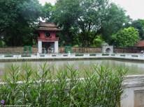 hanoi - świątynia literatury zadaszona brama