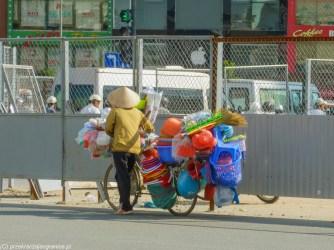 hanoi - handel obwoźny plastik rower