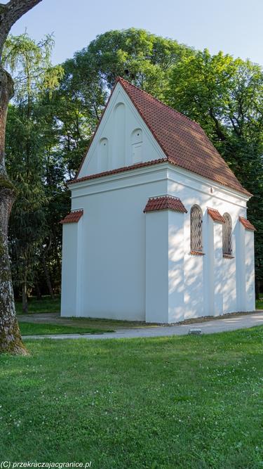 Park Radziwiłłowski Kaplica zamkowa św. Jozafata