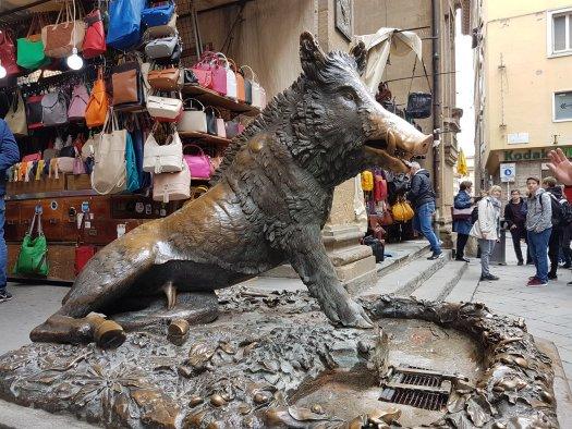 Dzik we Florencji Mercato Nuovo