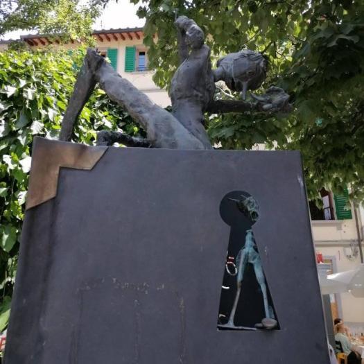 Pinokio rzezba we Florencji, Thomas Cecchi
