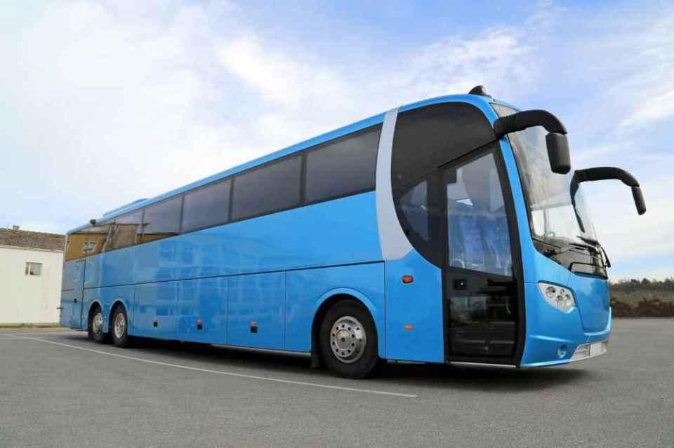 Wynajęcie busa w praktyce