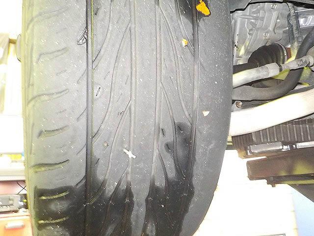 TE52 エルグランド 1G締め直し タイヤ交換 四輪アライメント