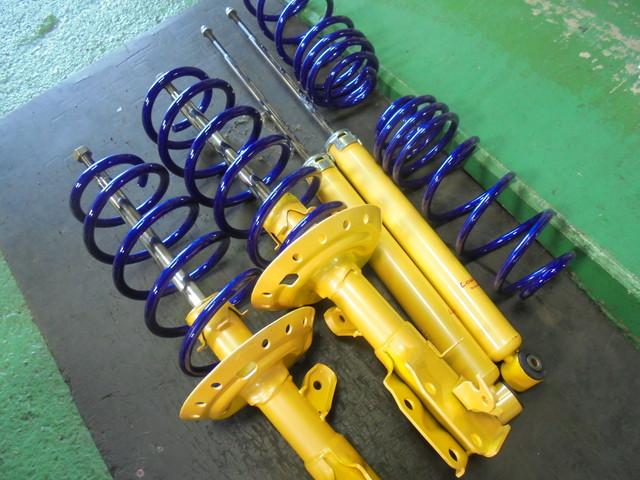 GK5 フィット KYBローファーサスキット交換 四輪アライメント調整