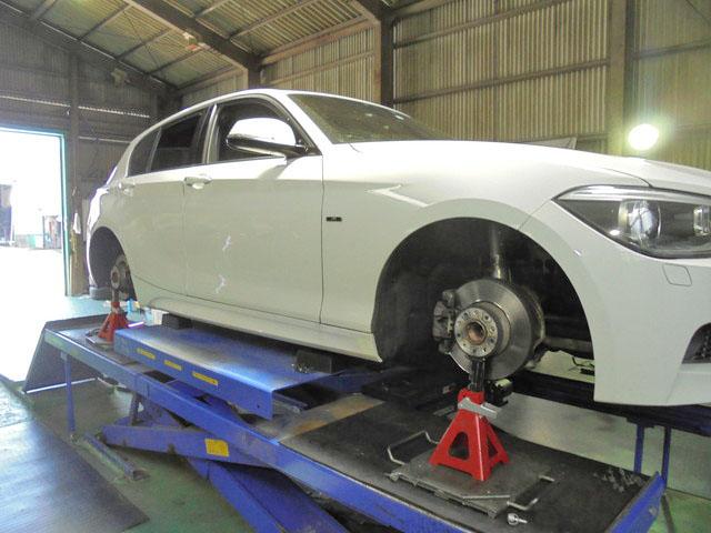 F20 BMW 116i 1G締め直し 持ち込みタイヤ交換 四輪アライメント調整