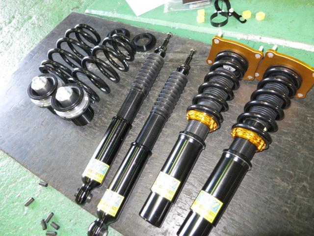 アウディ A7 4G XYZの車高調に交換 四輪アライメント