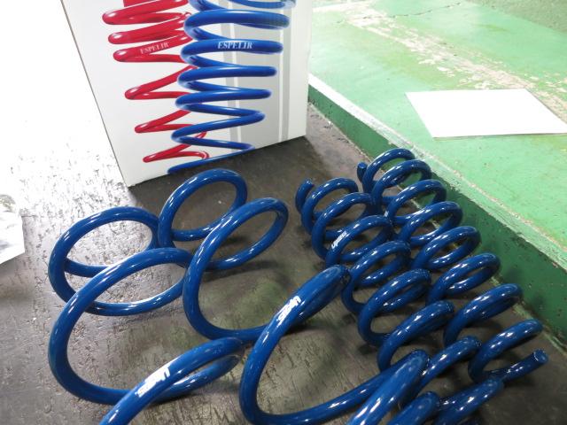 MXPB15 ヤリス クロス エスペリアのアップコイルに交換 四輪アライメント
