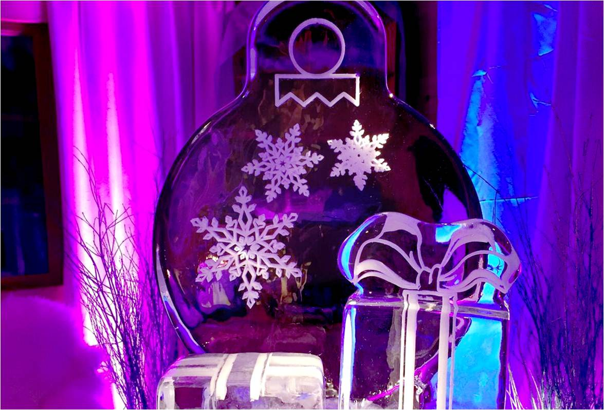 BAUBLE ICE SCULPTURE