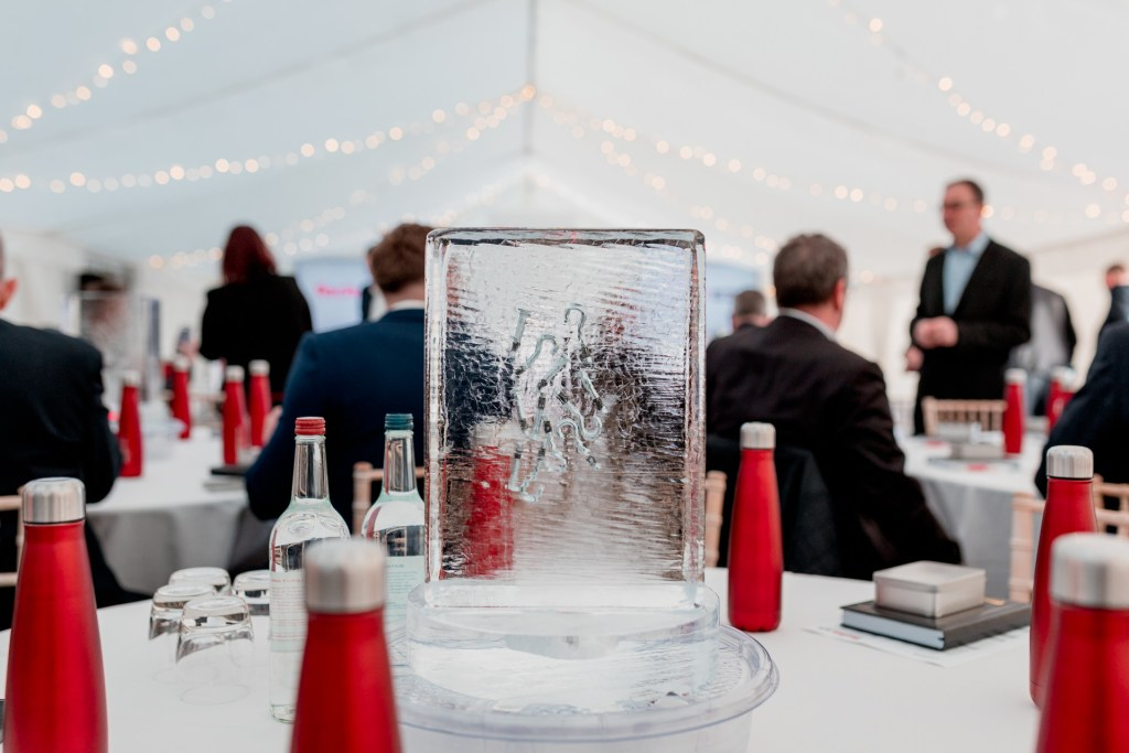 Fischer Fixings Table Centres Ice PSD Ice Art