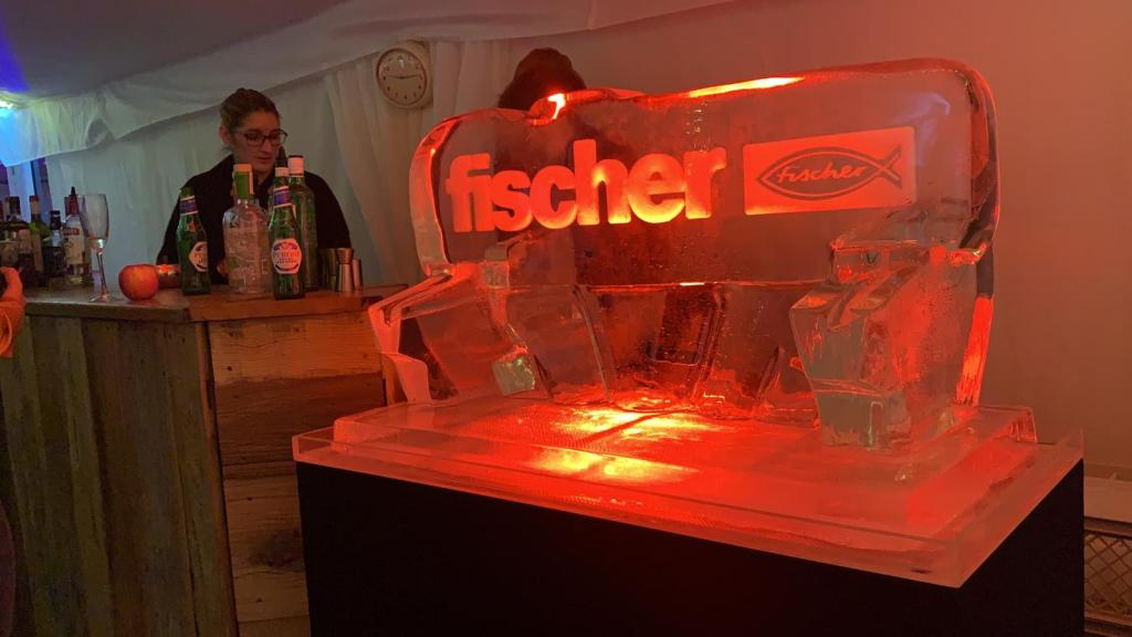 Fischer Fixings Logo Ice Sculpture 2020 ce PSD Ice Art