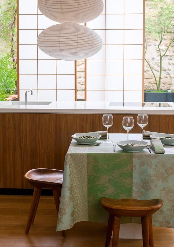 Le Jacquard Francais Wipe Tablecloth - Sakura
