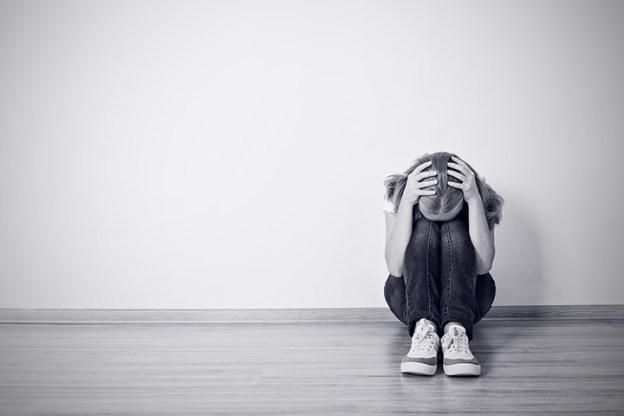 tristeza, depressão, jovem depressivo, adolescente com depressão, pessoa sofrendo