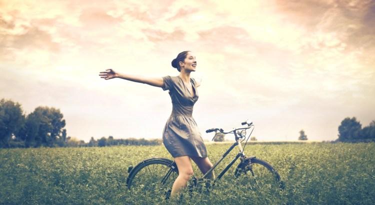 voltar ao normal, pessoa de bicicleta, pessoa feliz