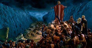 Igreja Universal, Filme Os 10 mandamentos e Efeito Manada