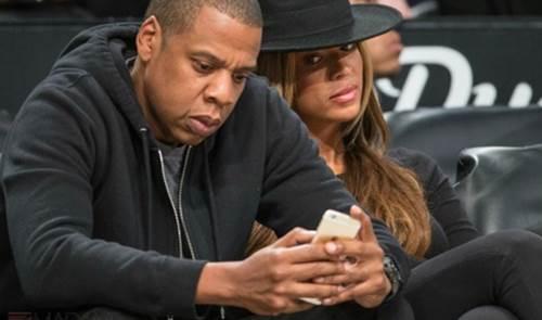 phubbing - Smartphones causam depressão e problemas de relacionamentos