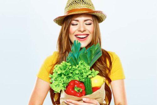 mulher feliz frutas vegetais