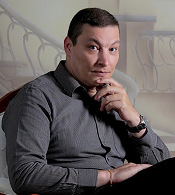 Dr. Ismael Cardoso