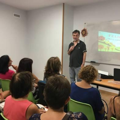 Carlo De Amicis impartiendo una charla